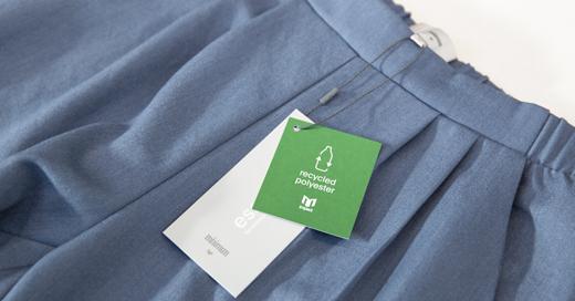 Kendt tøjbrand bliver mere bæredygtigt